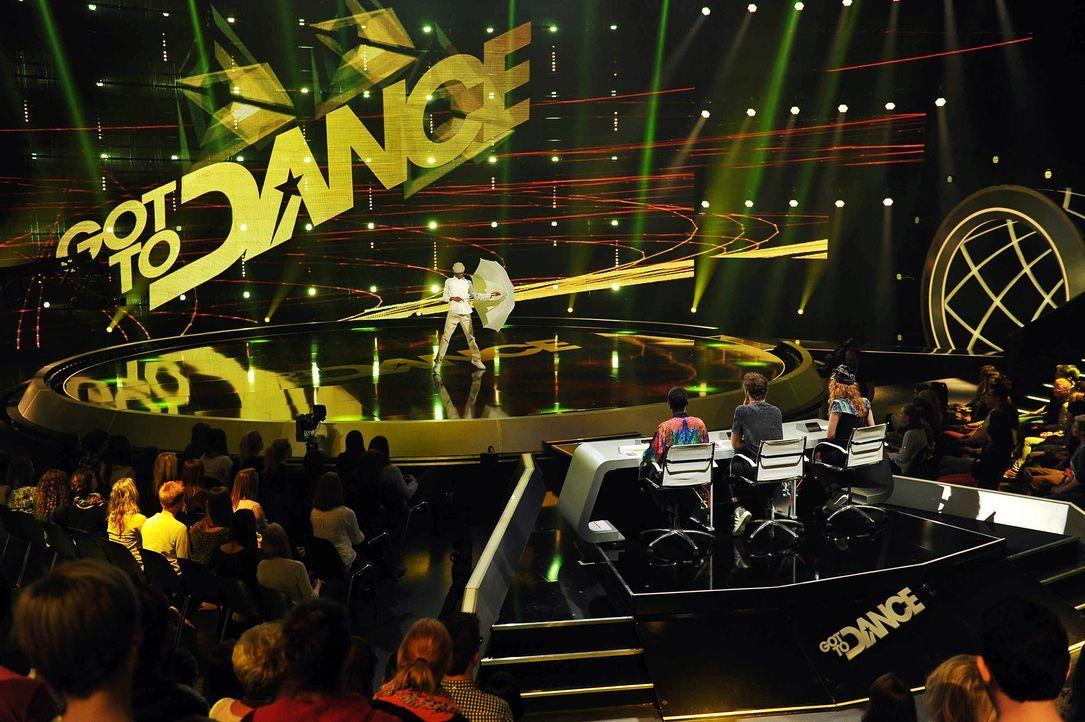 Got-To-Dance-P-Fly-01-SAT1-ProSieben-Willi-Weber - Bildquelle: SAT.1/ProSieben/Willi Weber