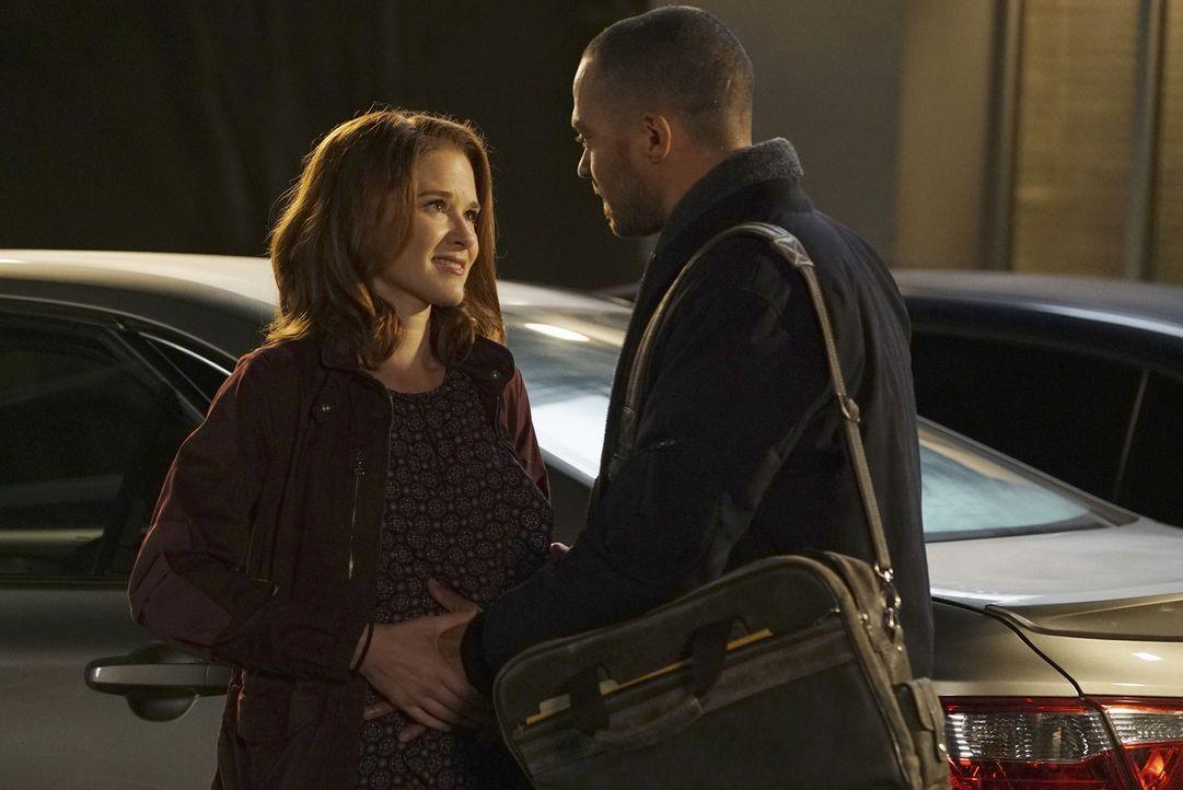Haben April (Sarah Drew, l.) und Jackson (Jesse Williams, r.) noch eine Chance auf eine gemeinsame Zukunft? - Bildquelle: Eric McCandless ABC Studios