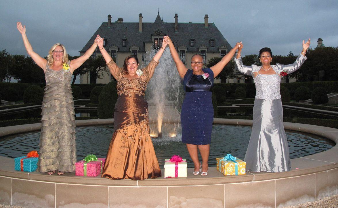 Wie werden Beth (l.), Gisella (2.v.l.), Karma (2.v.r.) und Judy (r.) die Hochzeiten der Töchter ihrer Konkurrentinnen bewerten? - Bildquelle: Richard Vagg DCL
