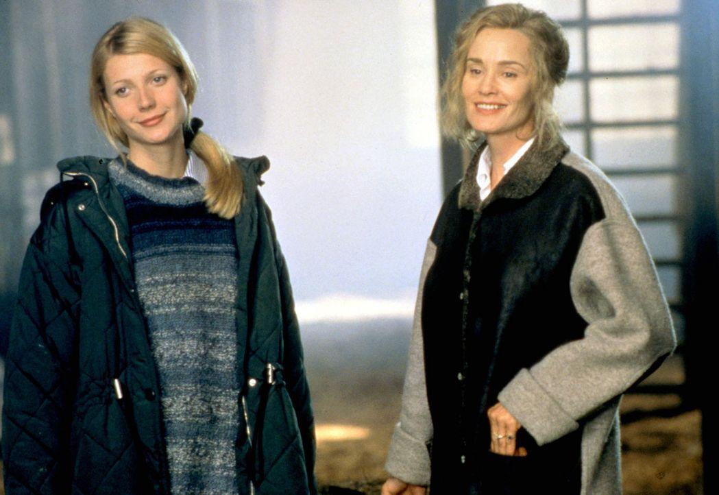Die Idylle trügt: Helen (Gwyneth Paltrow, l.) und ihre Schwiegermutter (Jessica Lange, r.) verstehen sich überhaupt nicht, denn Martha Baring lieb... - Bildquelle: Sony Pictures Entertainment
