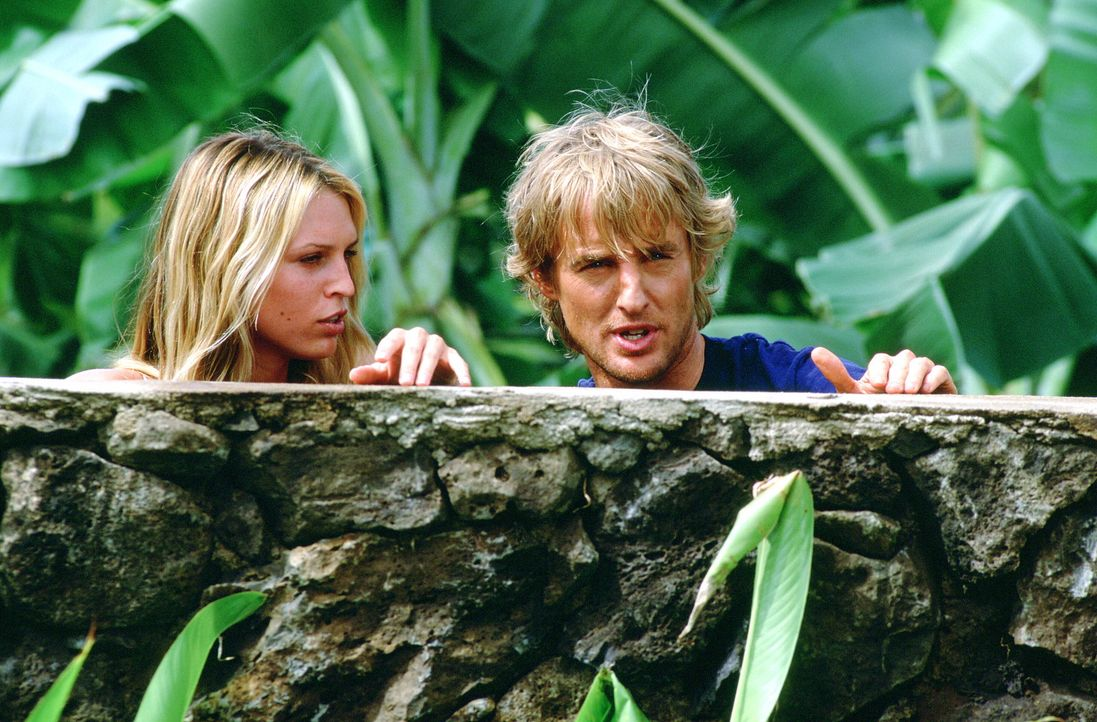 Als Nancy (Sara Foster, l.) in Jacks (Owen Wilson, r.) Leben tritt, ist es mit der heilen Welt vorbei und er verstrickt sich in ein verzwicktes Intr... - Bildquelle: Warner Bros.