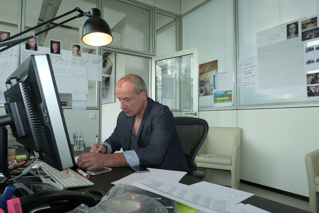 """Wird es Kriminalkommissar Peter Honecker (Bild) gelingen, den """"Perfekten Mord"""" von den Krimi-Autoren Volker Klüpfel und Michael Kobr zu lösen? - Bildquelle: Raymond Roemke SAT.1"""