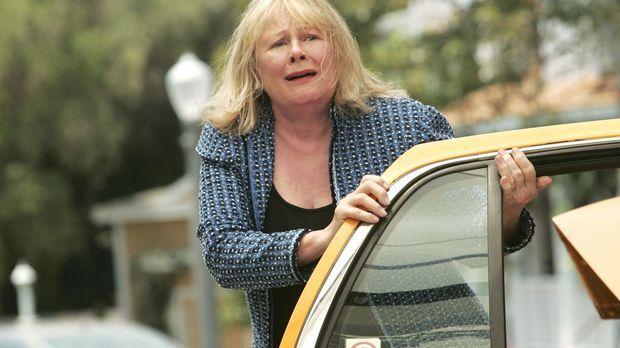 Bree muss sich mit Rex' Mutter Phyllis (Shirley Knight) über die Beerdigungsm...