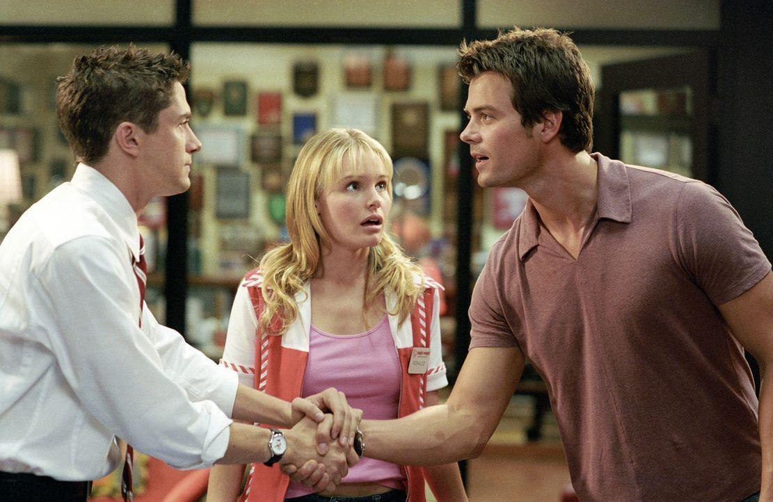 Rosalee (Kate Bosworth, M.) aus West Virginia, gewinnt ein Date mit dem Superstar Tad Hamilton (Josh Duhamel, r.). Für sie ist das das Größte überha... - Bildquelle: 2004 DreamWorks LLC. All Rights Reserved.