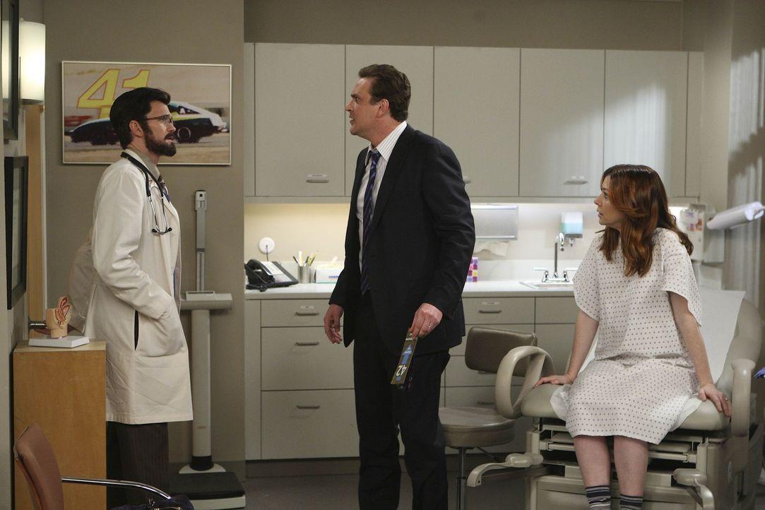 Bei einem Besuch bei Dr. Stangel (Neil Patrick Harris, l.), erleben Marshall (Jason Segel, M.) und Lily (Alyson Hannigan, r.) eine ganz besondere Ü... - Bildquelle: 20th Century Fox International Television