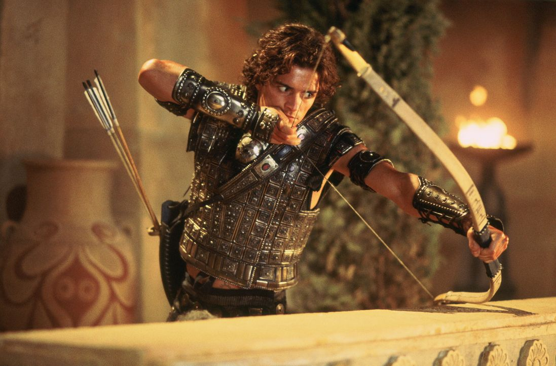 Findet zufällig Achilles Achillesferse: Paris (Orlando Bloom) ... - Bildquelle: Warner Brothers International Television