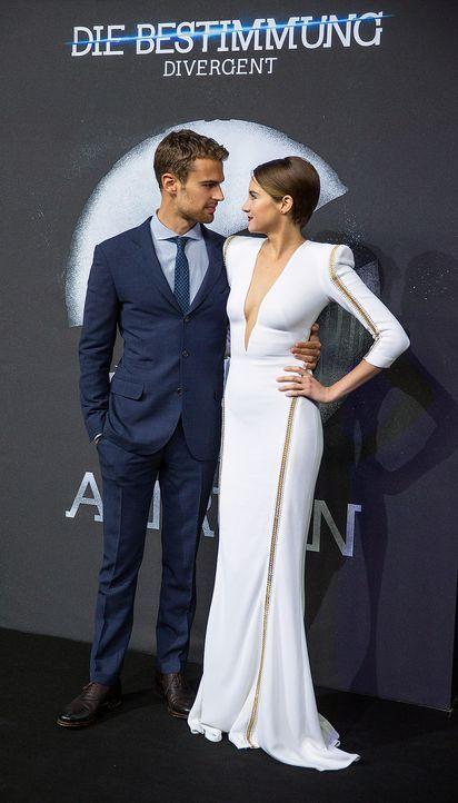 Divergent-Theo-James-Shailene-Woodley-Neil-Burger-14-04-01-2-dpa - Bildquelle: dpa