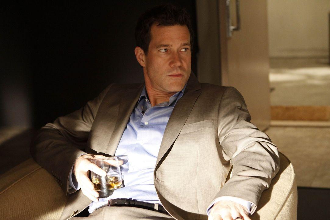 Hofft, das Sorgerecht für seine Kinder behalten zu können: Sean (Dylan Walsh) ... - Bildquelle: Warner Bros. Entertainment Inc. All Rights Reserved.