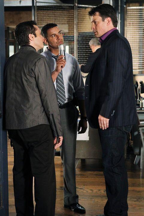 Castle (Nathan Fillion, r.), Javier (Jon Huertas, M.) und Kevin (Seamus Dever, l.) arbeiten an einem neuen Fall, doch handelt es sich dabei um einen... - Bildquelle: ABC Studios
