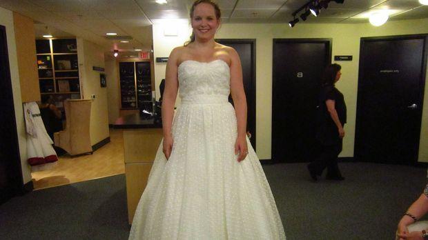 Nachdem die Braut Melissa zehn Kilogramm zugenommen hat, bangt sie vor der An...