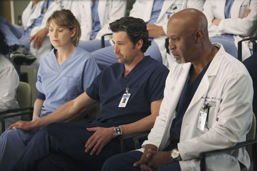 Der Amoklauf an einem Collage reist bei den Ärzten alte Wunden auf: Meredith (Ellen Pompeo, l.), Derek (Patrick Dempsey, M.) und Webber (James Pick... - Bildquelle: ABC Studios
