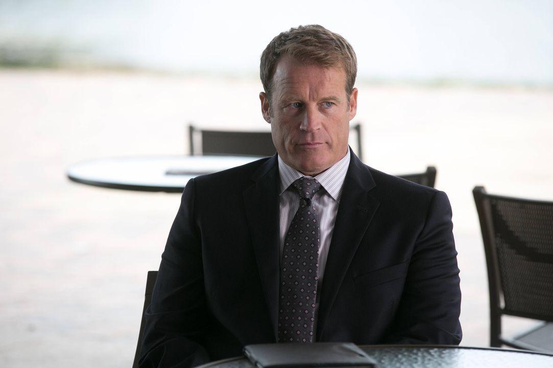 Was wird CIA Director Widener (Mark Valley) tun, um sein Geheimnis zu hüten? - Bildquelle: 2013-2014 NBC Universal Media, LLC. All rights reserved.