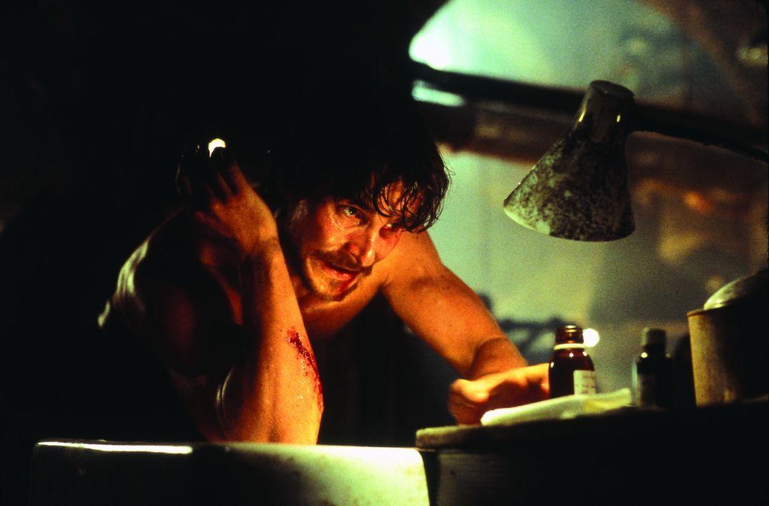 Während der Bauarbeiten in Londons Untergrund, wecken Arbeiter einen Drachen aus seinem Schlaf. Jahrzehnte später führen einige Überlebende (Chr... - Bildquelle: Touchstone Pictures und Spyglass Entertainment Group, LP Im Verleih der Buena Vista International