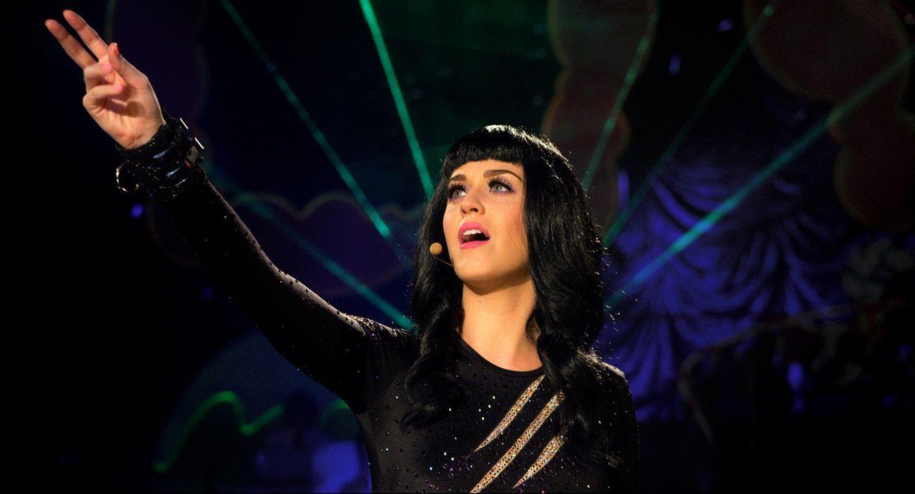 Schon das kleine kalifornische Mädchen hatte den Traum, einmal ein Weltstar zu sein, und heute füllt Katy Perry riesige Hallen ... - Bildquelle: 2012 Paramount Pictures. All Rights Reserved.