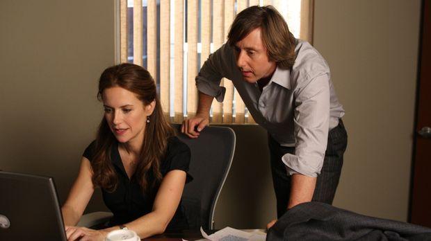 Meghan Doyle (Kelly Preston, l.) muss überprüfen, ob irgendjemand auf Joes (J...