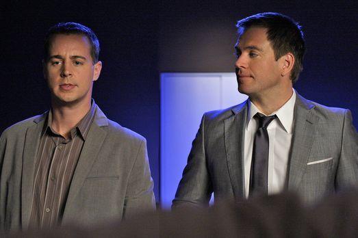 Noch stehen McGee (Sean Murray, rl) und Tony (Michael Weatherly, r.) vor eine...