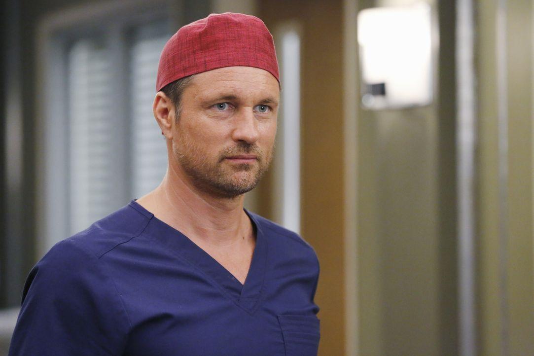 Neu im Team: Dr. Nathan Riggs (Martin Henderson). Doch sein Auftauchen stößt nicht bei allen Kollegen auf Begeisterung ... - Bildquelle: Vivian Zink ABC Studios