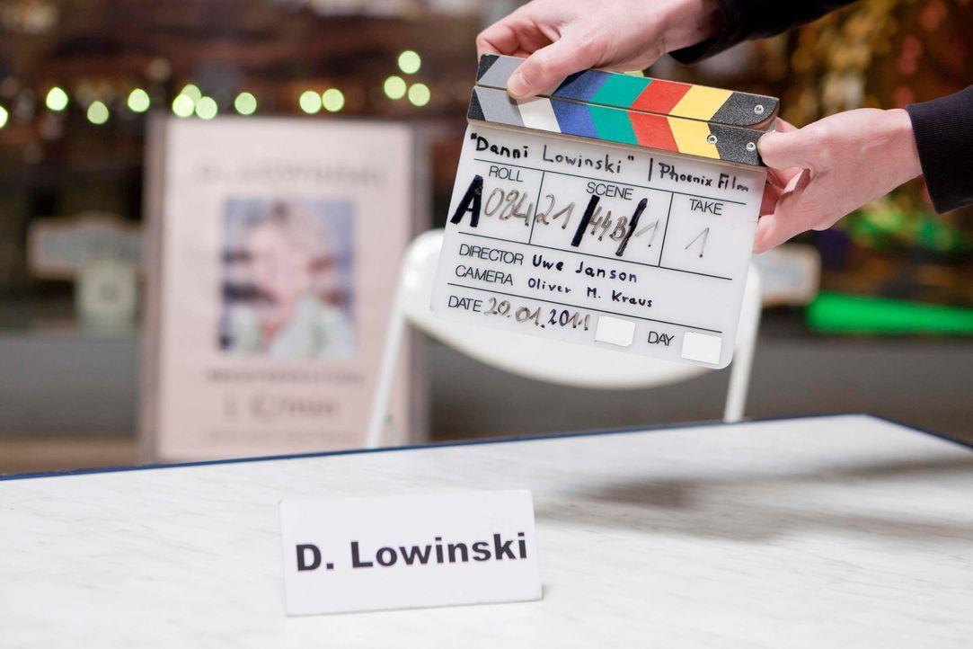 danni-lowinski-backstage-hinter-den-kulissen-009 - Bildquelle: Sat.1/Frank Dicks