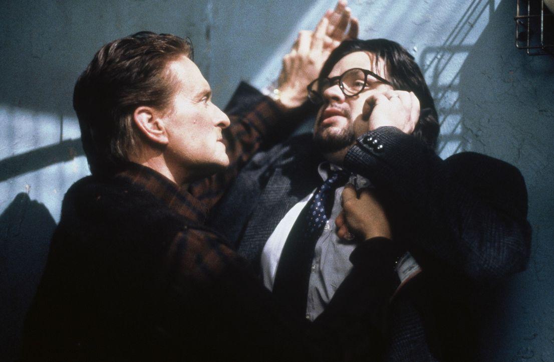 Als seine kleine heile Welt aus den Fugen gerät, entbrennt ein gnadenloser Zweikampf zwischen Psychiater Dr. Nathan Conrad (Michael Douglas, l.) un... - Bildquelle: 20th Century Fox Film Corporation