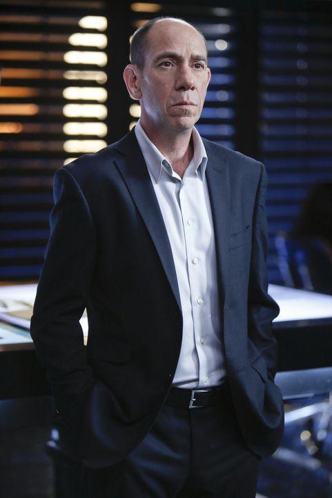 Gerät bei den Ermittlungen in einem neuen Fall in große Gefahr: Granger (Miguel Ferrer) ... - Bildquelle: CBS Studios Inc. All Rights Reserved.