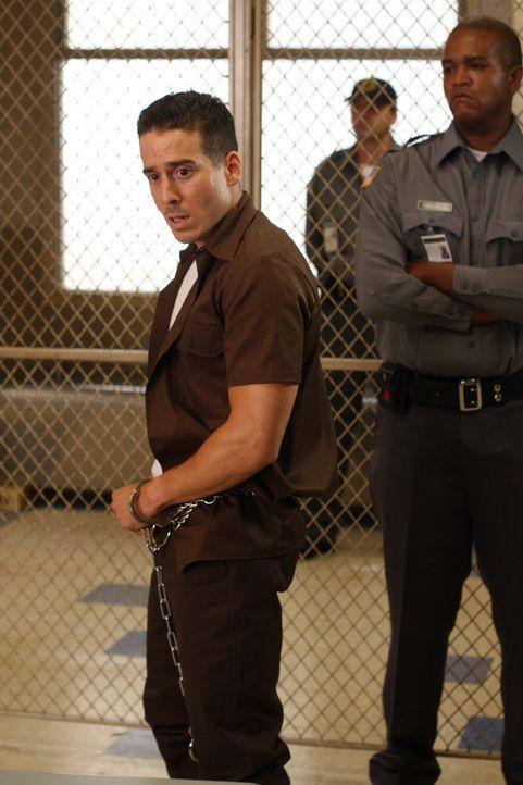 Schuldig oder nicht schuldig? Dylan Noakes (Kirk Acevedo) ... - Bildquelle: Warner Bros. Television