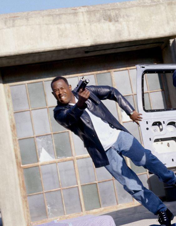 Als Hank und Earl (Martin Lawrence) ins Visier mörderischer Gangster geraten, müssen sie gemeinsam um ihr Leben kämpfen - obwohl sie sich doch ei... - Bildquelle: 2004 Sony Pictures Television International. All Rights Reserved.