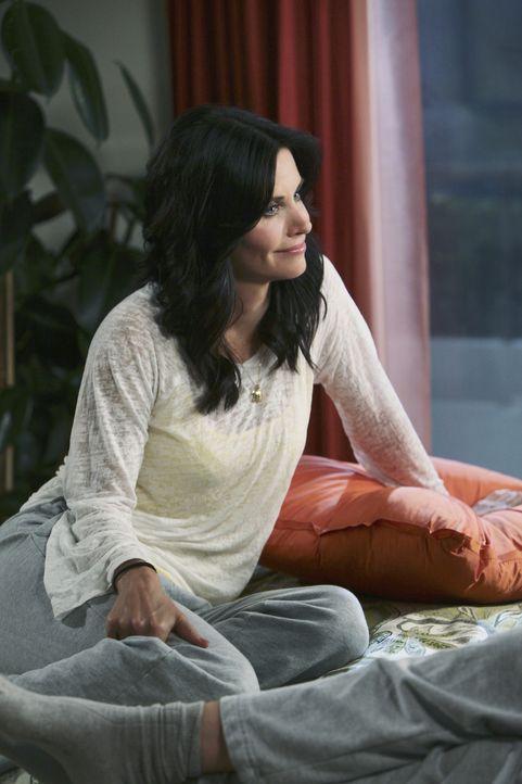 Behauptet, 40 zu werden und lädt Laurie und Ellie in ein wunderschönes Strandhotel ein, um weitab von den Menschen in Cougar Town feiern zu könne... - Bildquelle: 2009 ABC INC.