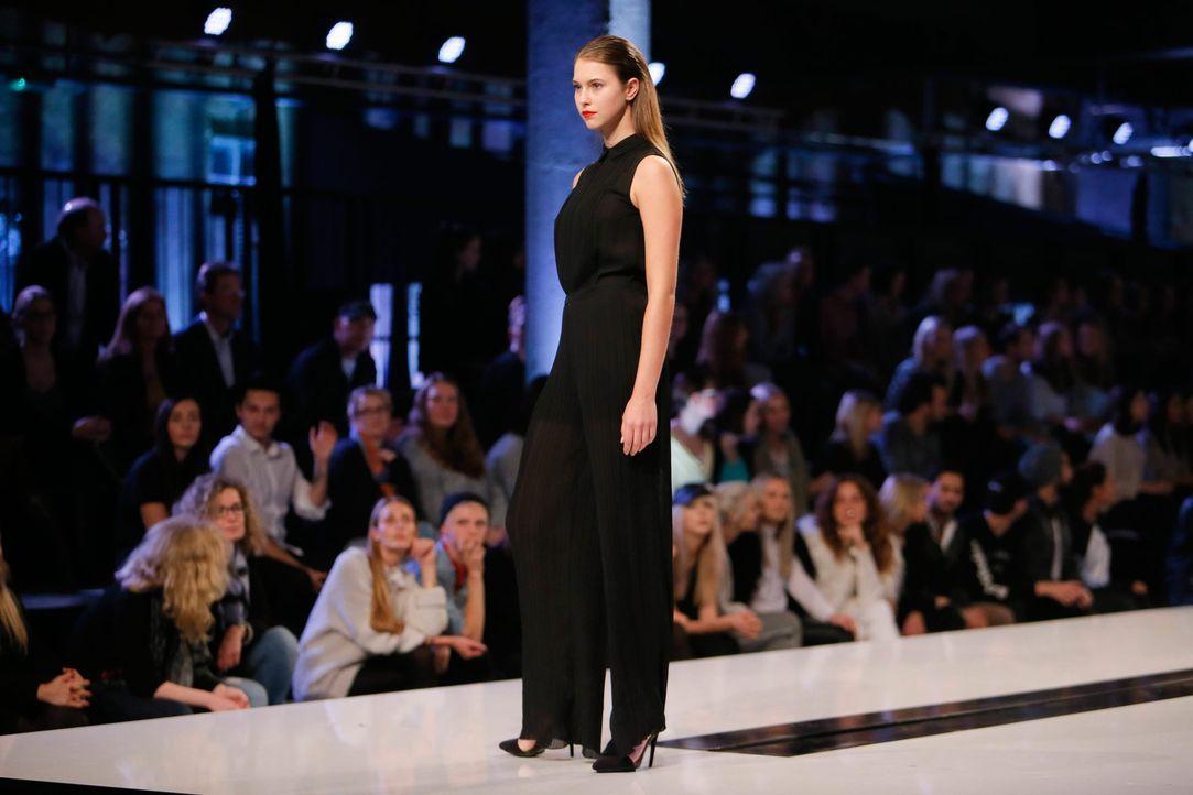 GNTM-Stf11-Epi01-erste-fashion-show-14-ProSieben-Huebner - Bildquelle: ProSieben/Richard Huebner