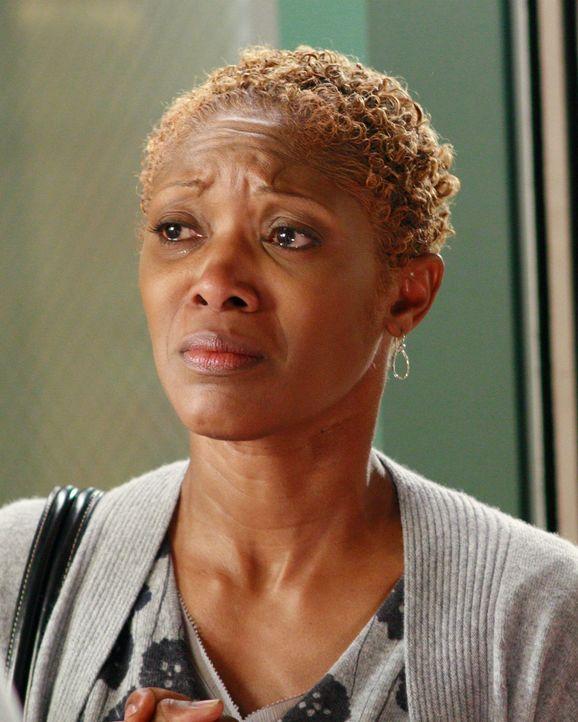 Arlene (Shelley Robertson) will nicht glauben, dass ihre Tochter sterben wird ... - Bildquelle: Touchstone Television