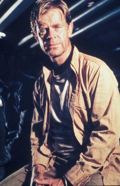 Nachdem es Stabsoffizier Nate Travers (William H. Macy) gelungen ist, ein deutsches U-Boot zu versenken, heften er und seine Crew sich an die Fersen... - Bildquelle: Splendid Pictures