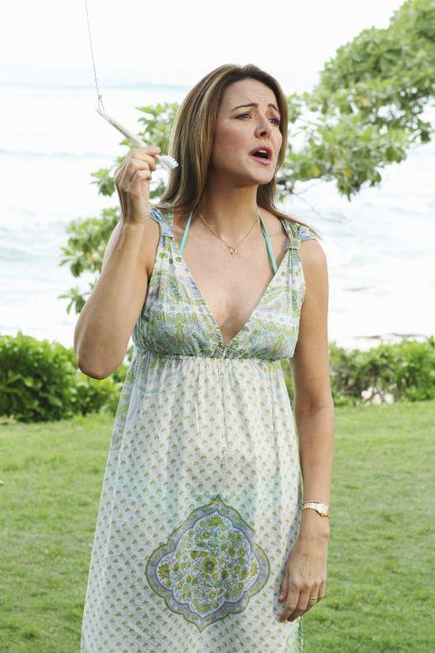 Reist mit Jules nach Hawaii, um Travis zur Vernunft zu bringen: Ellie (Christa Miller) ... - Bildquelle: 2010 ABC INC.