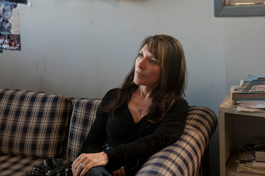 Nach und nach muss sich Gemma (Katey Sagal) eingestehen, dass ihre Welt immer weiter auseinander bricht ... - Bildquelle: 2011 Twentieth Century Fox Film Corporation and Bluebush Productions, LLC. All rights reserved.