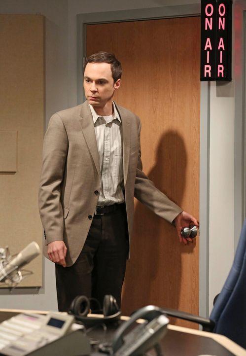 Hadert mit seinem wissenschaftlichen Versagen: Sheldon (Jim Parsons) ... - Bildquelle: Warner Brothers