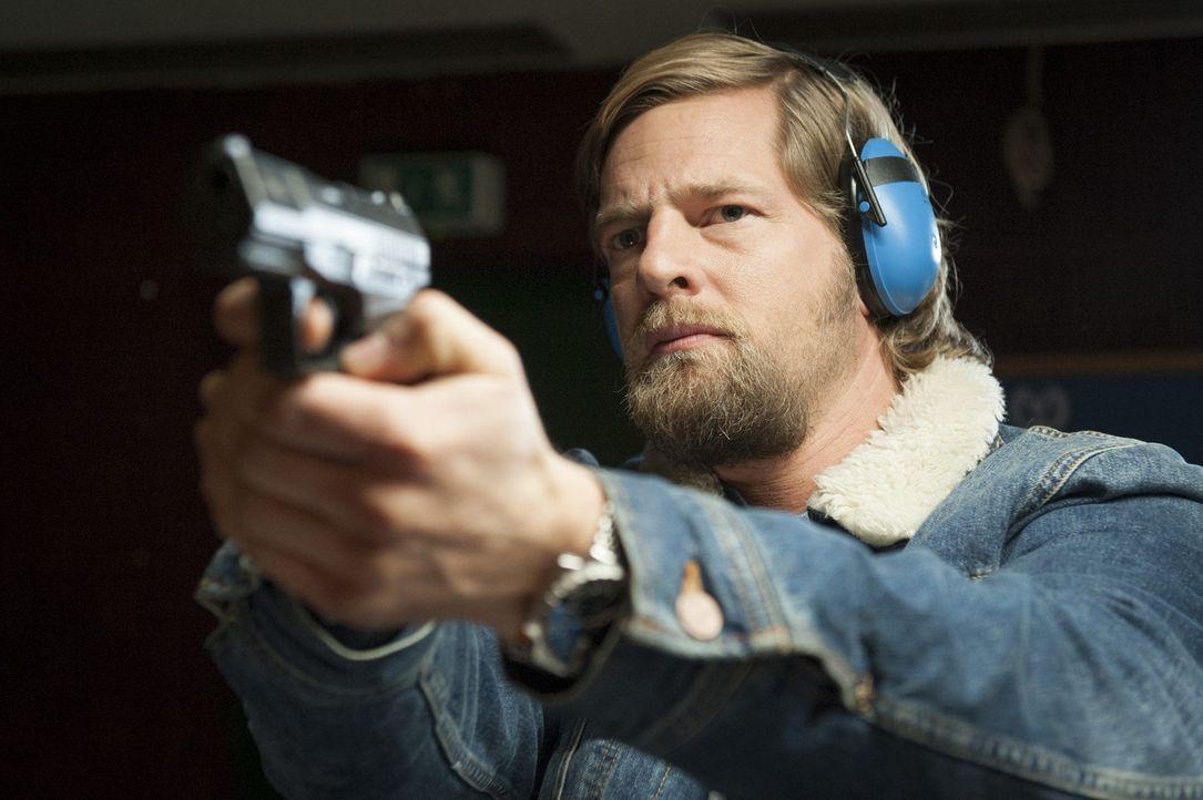 Ein neuer Mordfall führt Mick (Henning Baum) zurück in seine Vergangenheit - in die Polizeiakademie Essen, dort wurde die junge Polizistin Silke D... - Bildquelle: Martin Rottenkolber SAT.1
