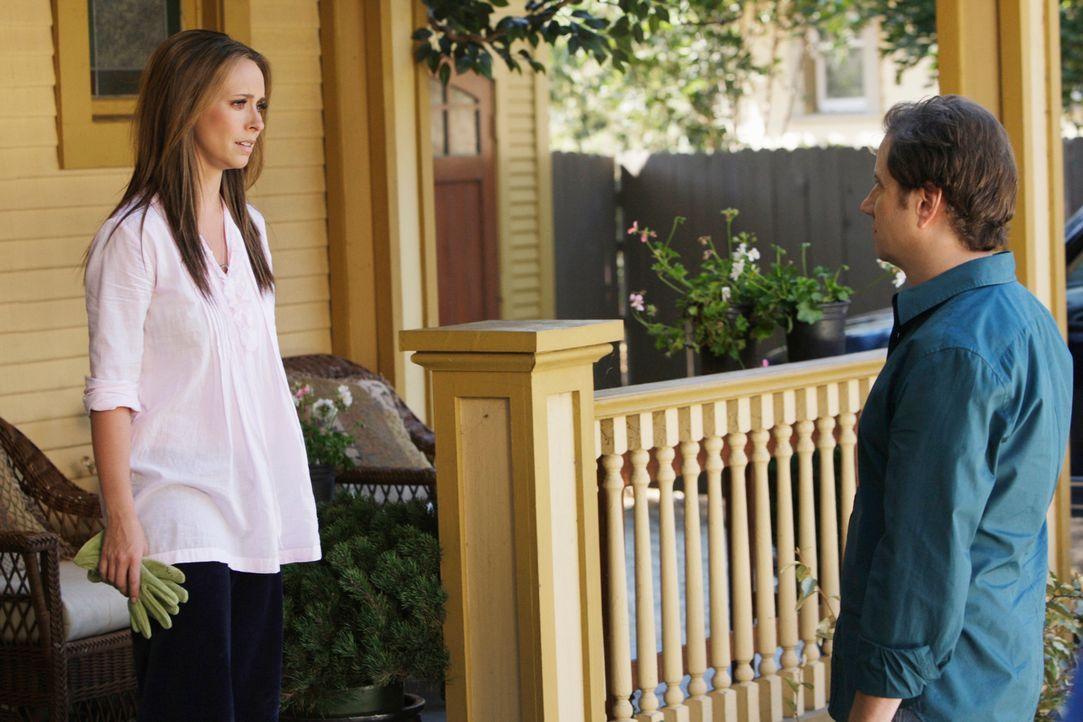 Der Geist von Jim hat Eli (Jamie Kennedy, r.) heimgesucht und ihn um Hilfe gebeten. Melinda (Jennifer Love Hewitt, l.) wiederum möchte, dass Jim end... - Bildquelle: ABC Studios