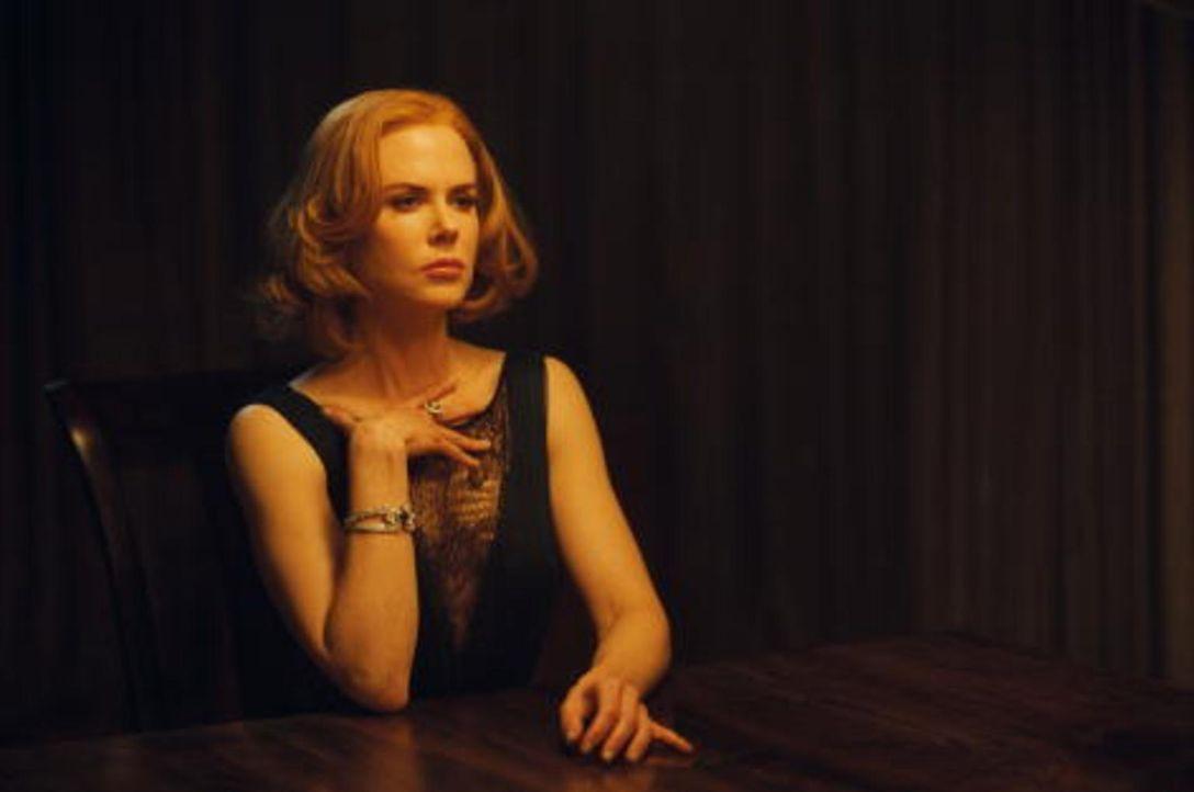 Weder Evelyn (Nicole Kidman) noch ihre Tochter India wussten, dass Richard einen Bruder hatte. Noch dazu einen, der einen äußerst dubiosen Eindruck... - Bildquelle: 2013 Twentieth Century Fox Film Corporation.  All rights reserved.