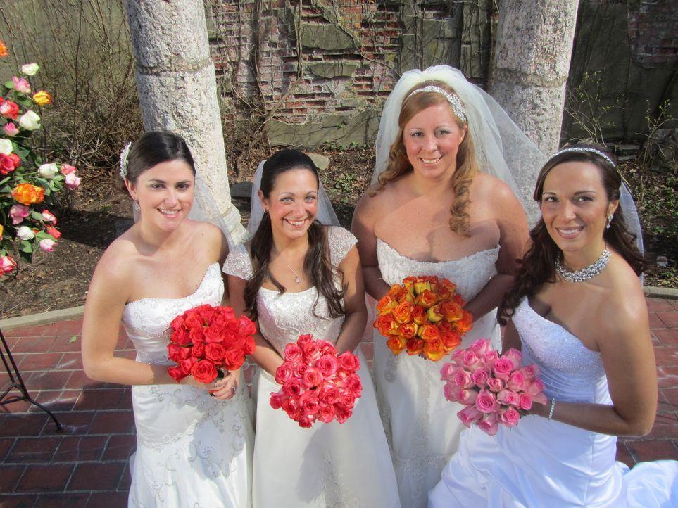 Jede Braut setzt andere Prioritäten: Lauren (l.), Christina (2.v.l.), Jamie (2.v.r.),  Kathiria (r.) ... - Bildquelle: 2011 Discovery Communications, LLC