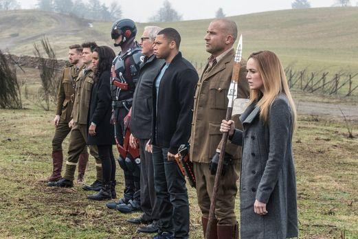 Werden die (v.l.n.r.) Rip (Arthur Darvill), Nate (Nick Zano), Amaya (Maisie R...