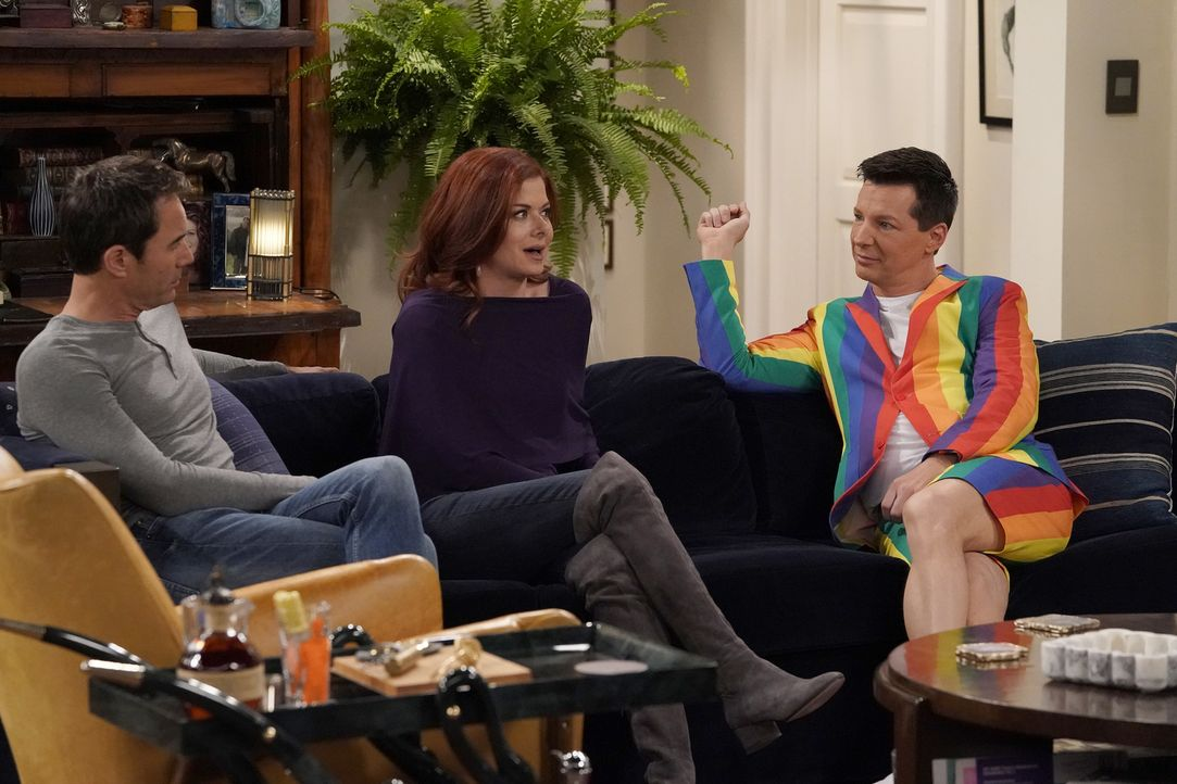 Während Will (Eric McCormack, l.) und Grace (Debra Messing, M.) sich mit ihren Eltern beschäftigen müssen, lenkt sich Jack (Sean Hayes, r.) mit eine... - Bildquelle: Chris Haston 2017 NBCUniversal Media, LLC