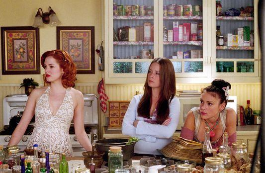 Charmed - Zauberhafte Hexen - Paige (Rose McGowan, l.), Phoebe (Alyssa Milano...