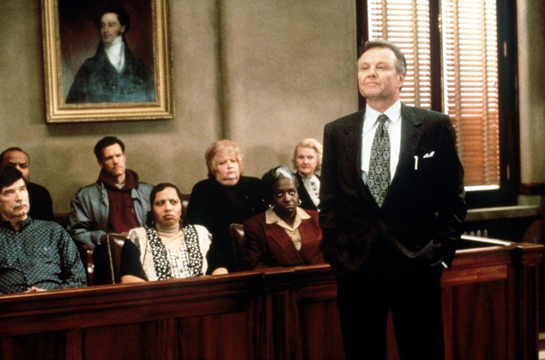 Der Versicherungskonzern Great Benefit, vertreten durch den gerissenen Anwalt Leo F. Drummond (Jon Voight), weigert sich strikt, die Behandlungskost... - Bildquelle: Paramount Pictures