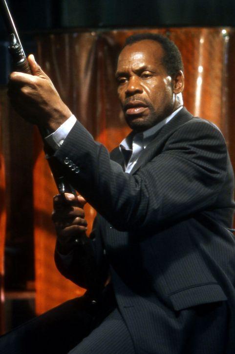 Cop David Tapp (Danny Glover) jagt einen Entführer, der seine Opfer zu sadistischen Spielen zwingt ... - Bildquelle: Twisted Pictures