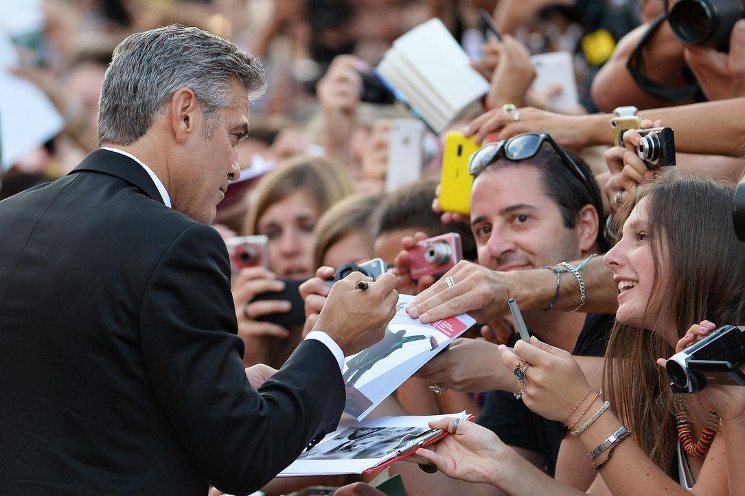 Filmfestival-Venedig-George-Clooney-Fans-13-08-28-1-AFP.jpg 1800 x 1198 - Bildquelle: AFP