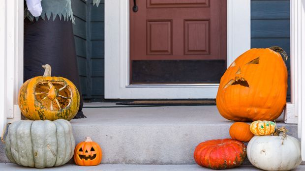 Halloween feiern_2015_10_22_Halloween DIY_Schmuckbild_fotolia_arinahabich