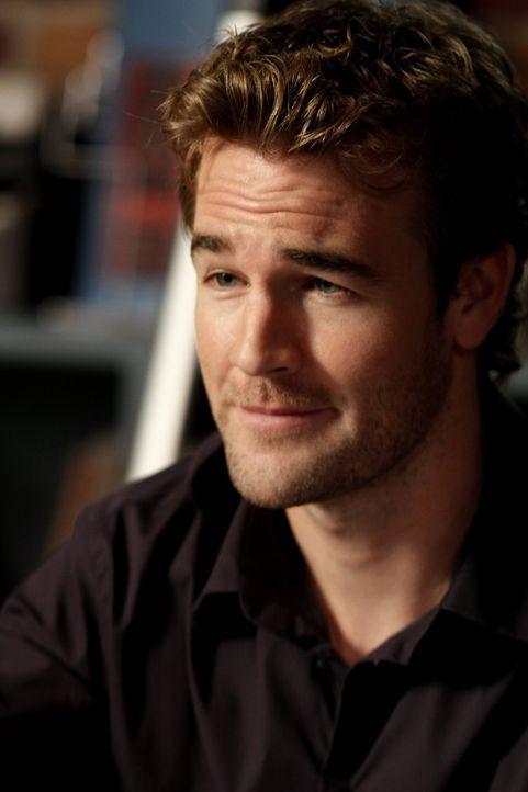 Der Regisseur Reese Dixon (James Van Der Beek) scheint mehr Interesse daran zu haben nach einer Schauspielerin zu suchen, die schnell mit ihm ins Be... - Bildquelle: Warner Bros. Pictures
