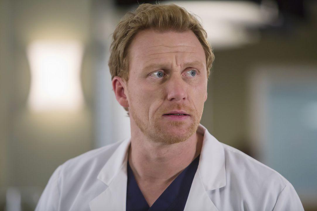 Während sich Owen (Kevin McKidd) bei Amelia für sein Verhalten entschuldigen möchte, realisiert Maggie, dass sich etwas zwischen ihr und Andrew verä... - Bildquelle: Ron Batzdorff ABC Studios
