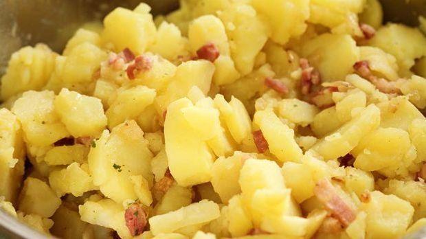 Kartoffelsalat_Essig Speck Öl