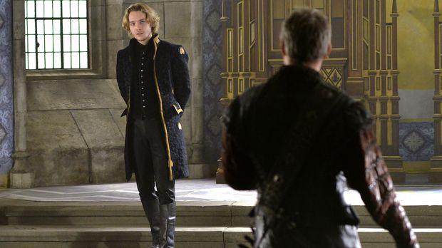 Marys Onkel, der Herzog von Guise (Gil Darnell, r.) kommt mit schlimmen Nachr...