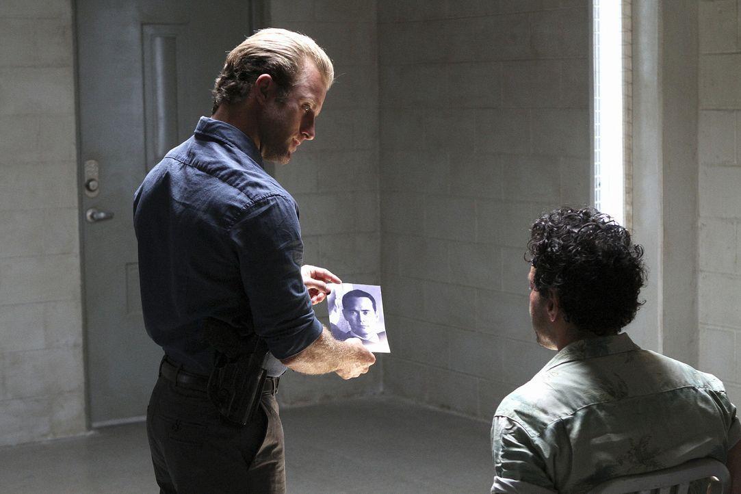 Bei den Ermittlungen in einem neuen Fall: Danny (Scott Caan, l.) ... - Bildquelle: 2011 CBS BROADCASTING INC.  All Rights Reserved.