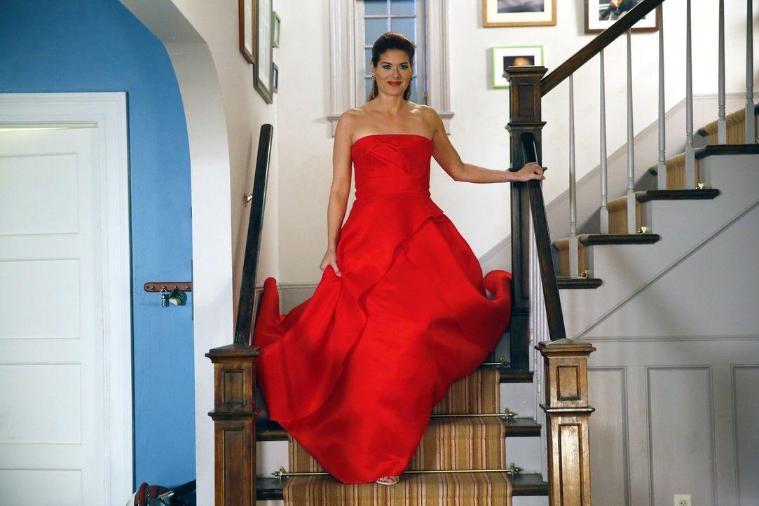Um einen neuen Fall zu lösen, ermittelt Laura (Debra Messing) undercover bei der Fashion Week ... - Bildquelle: Warner Bros. Entertainment, Inc.